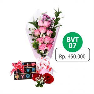 BVT 071 300x300 Toko Bunga Valentine Mawar Murah Online