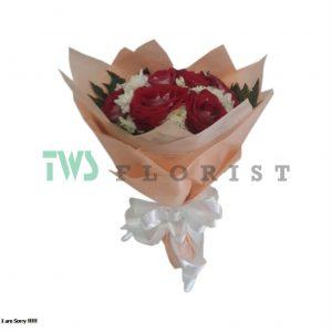 Bunga Mawar Hand Bouquet 02 300x300 Toko Bunga Valentine