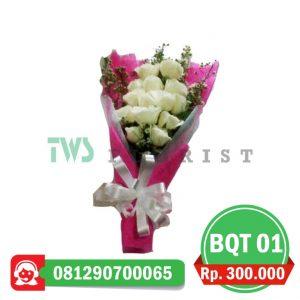 bunga-mawar-hand-bouquet-01