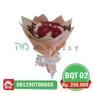 bunga-mawar-hand-bouquet-02