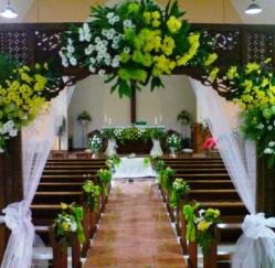 dekorasi bunga untuk pernikahan di gereja   toko karangan